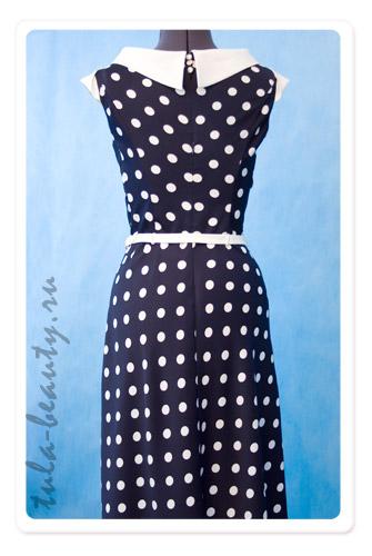 Платье из ткани в горошек для полных